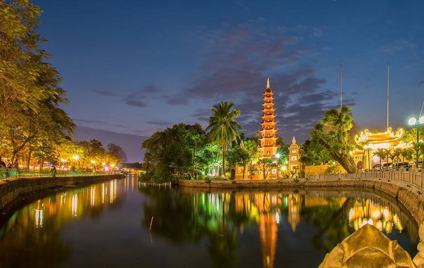 Tran Quoc Pagoda - West Lake Hanoi
