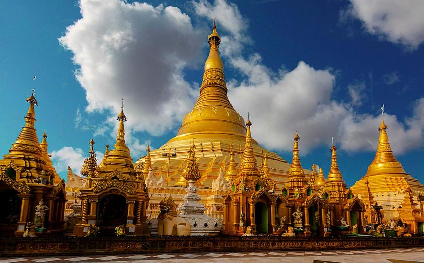 Shwedagon Pagoda - best destinations to visit in myanmar