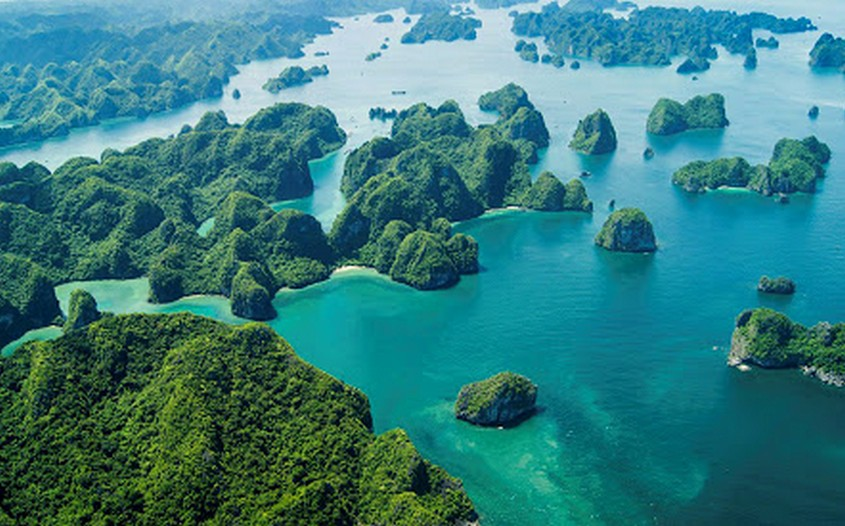 Bai Tu Long Bay - top-rated attractions in Vietnam