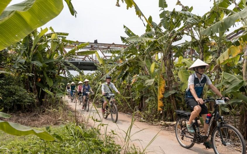 Cycling in Banana Island
