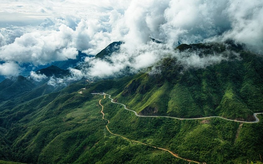 Pha Din Pass - best riding routes in Vietnam