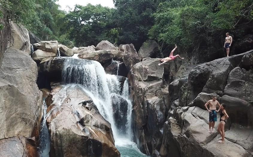Cliff jumping in Ba Ho waterfalls - Nha Trang