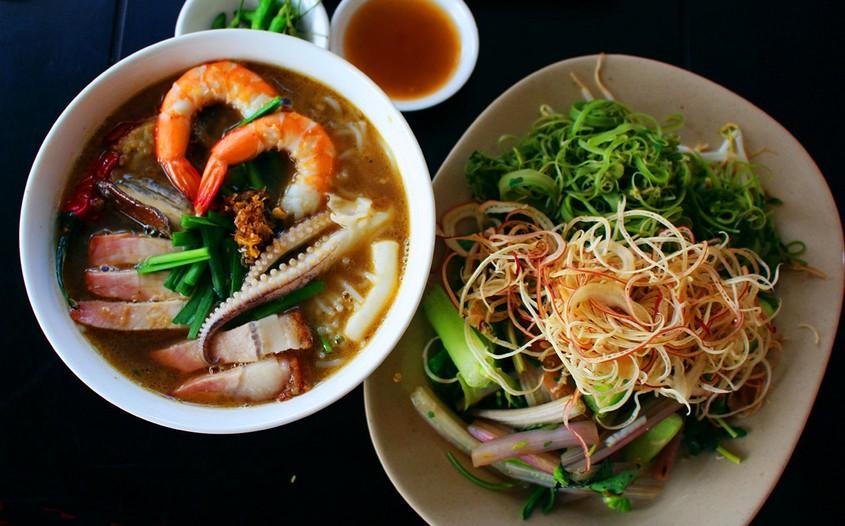 Bun Mam – Fermented Fish Noodle Soup
