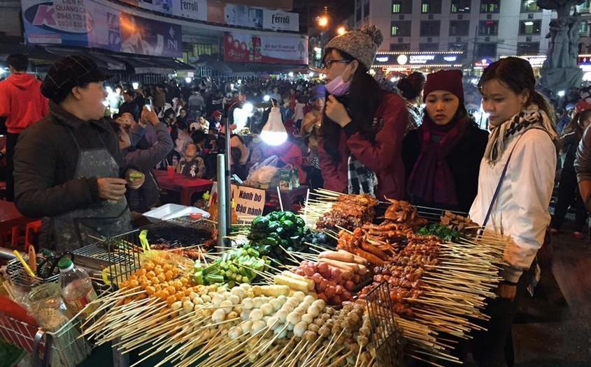 Dalat Night Market - Dalat travel guide