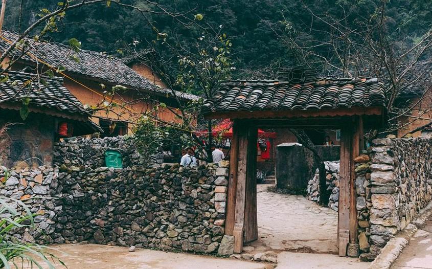 Lung Cam Village